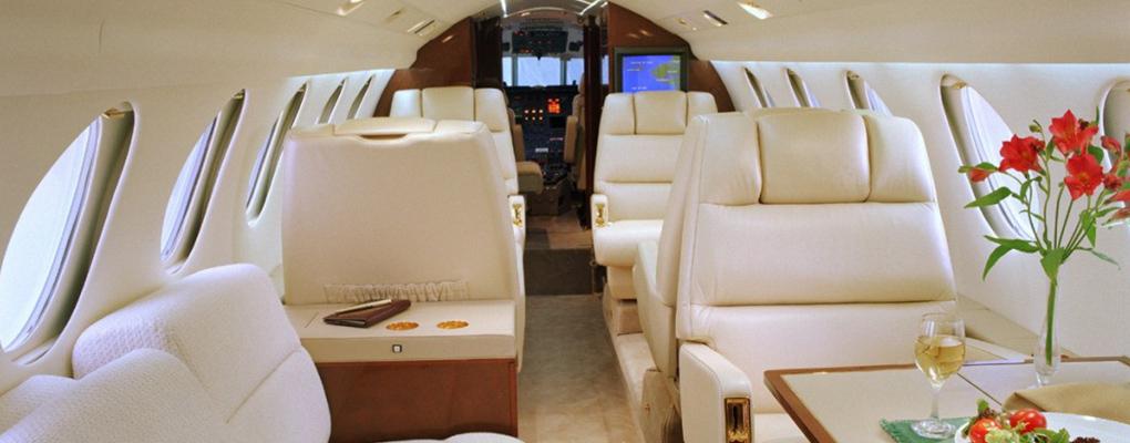 Falcon-50-Jet-Hire_cabin