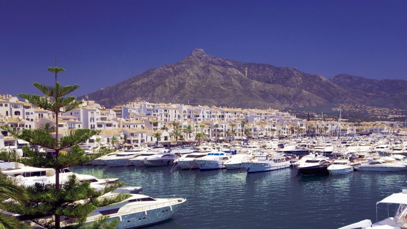 private jet hire Puerto Banus