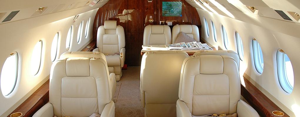 F2000-Private-Jet-cabin