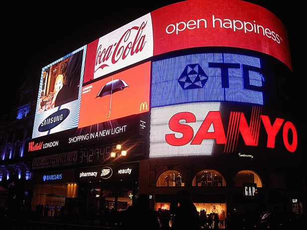 Visiting London - Piccadilly Circus